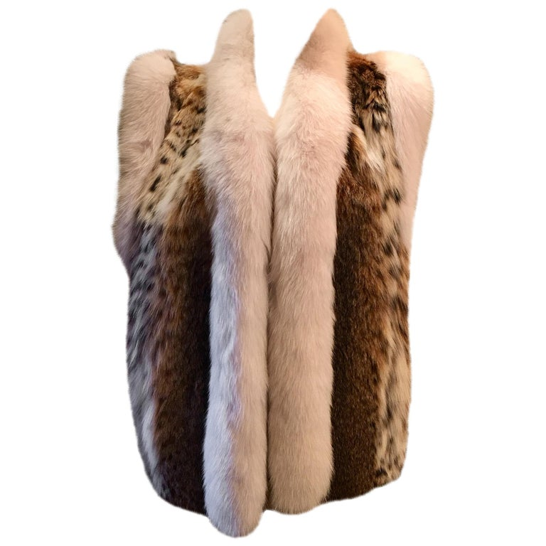 Stunning Luxurious Spotted Lynx Fur Sleeveless Vest with White Fox Fur Trim  For Sale
