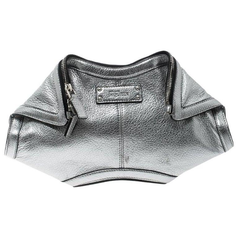 Alexander McQueen Metallic Silver Leather Small De Manta Clutch For Sale