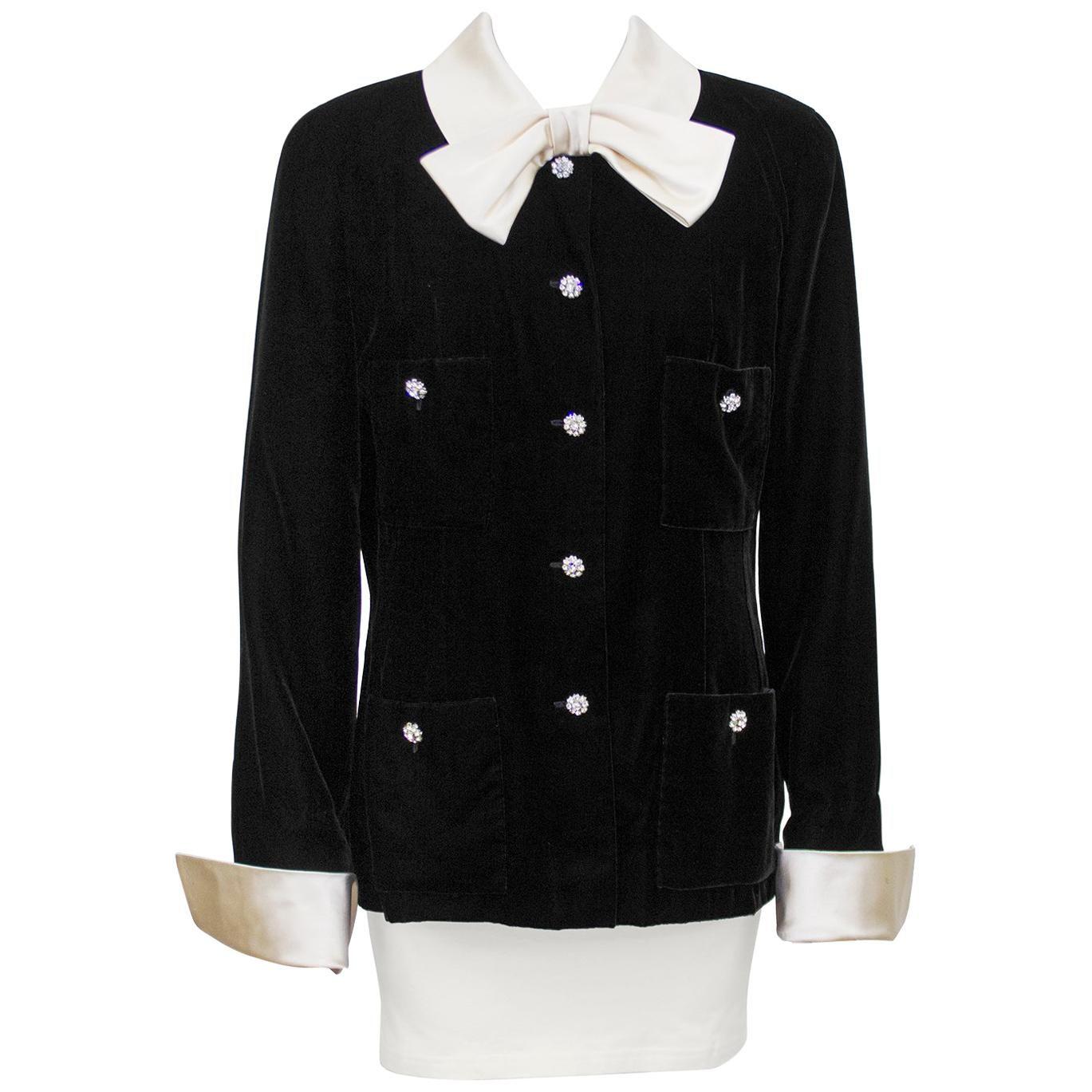 Late 1980s Chanel Black Velvet Jacket with Cream Satin Collar