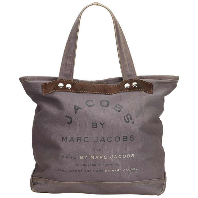 3565357a0 Marc Jacobs Gray x Black Printed Canvas Tote For Sale. This handbag ...