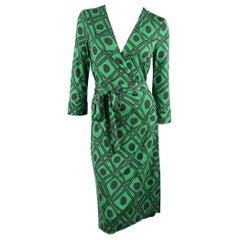DIANE VON FURSTENBERG Vintage Size 12 Green Print Silk Wrap Dress