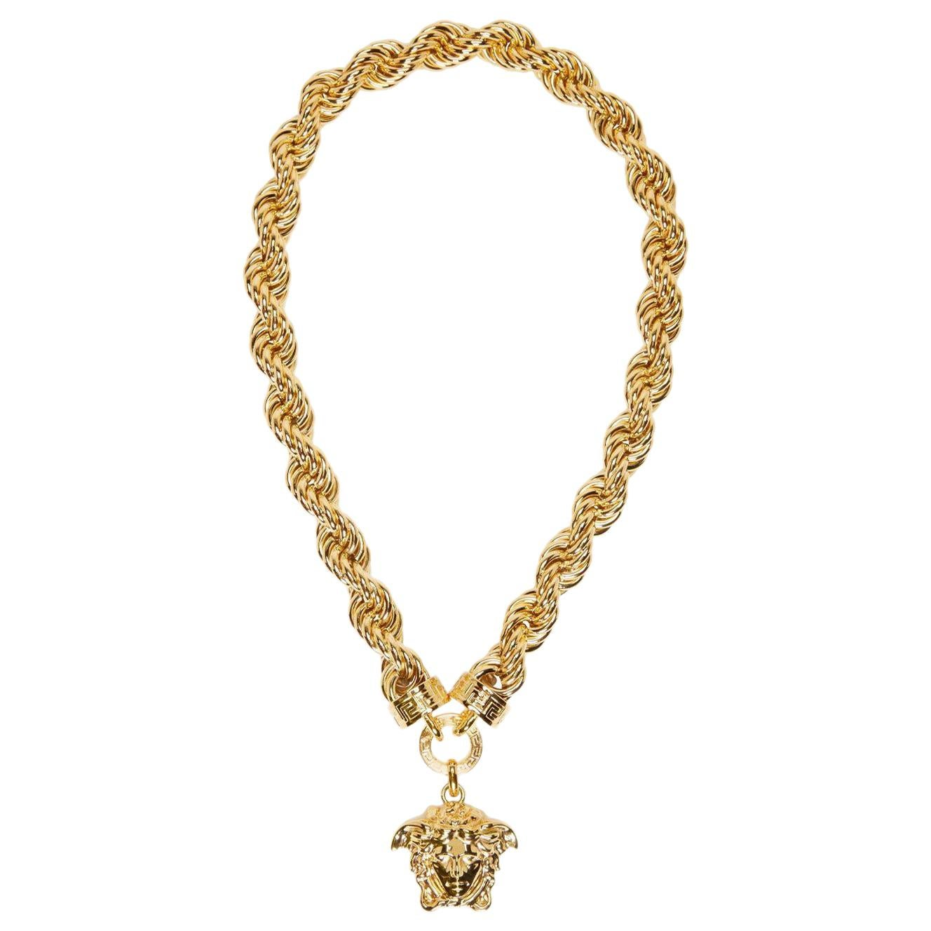 3ffbee3157 Gold Chain Necklaces - 99 For Sale at 1stdibs