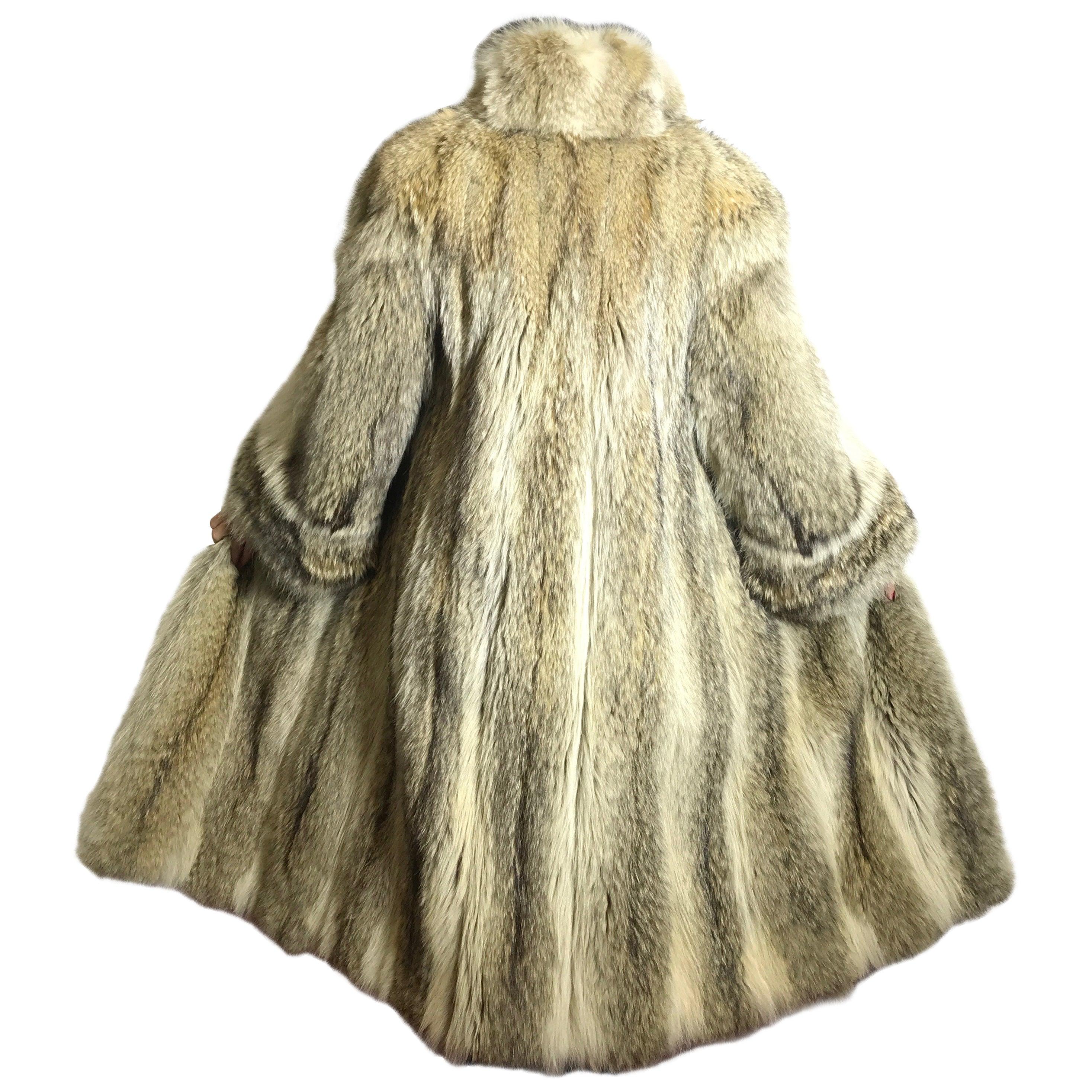 Coyote Fur Coat >> Long Coyote Fur Coat Shadow Fox Tan White 15 For Sale At 1stdibs
