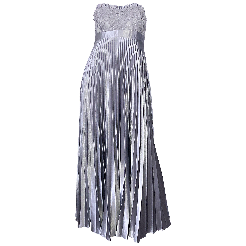Beautiful Vintage Badgley Mischka Size 10 / 12 Silver Metallic Beaded Gown Dress