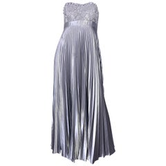 Beautiful Vintage Badgley Mischka Size 10 / 12 Silver Metallic Beaded Gown Dress