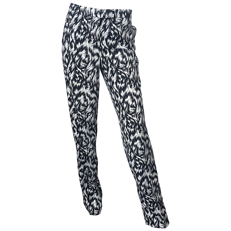 New Derek Lam Size 8 Black and White Feather Print Pajama Style Silk Pants