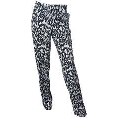 New Derek Lam Size 8 Black and White Feather Print Pajama Style Silk Pants