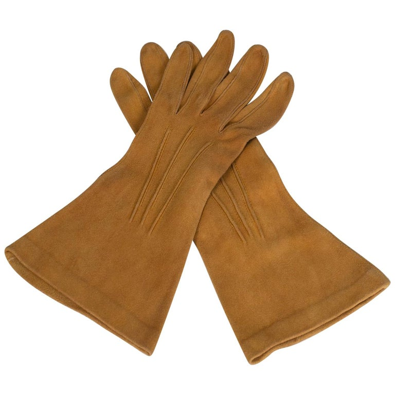 Saddle Suede Three-Point Flared Gauntlet – France, 1960s For Sale