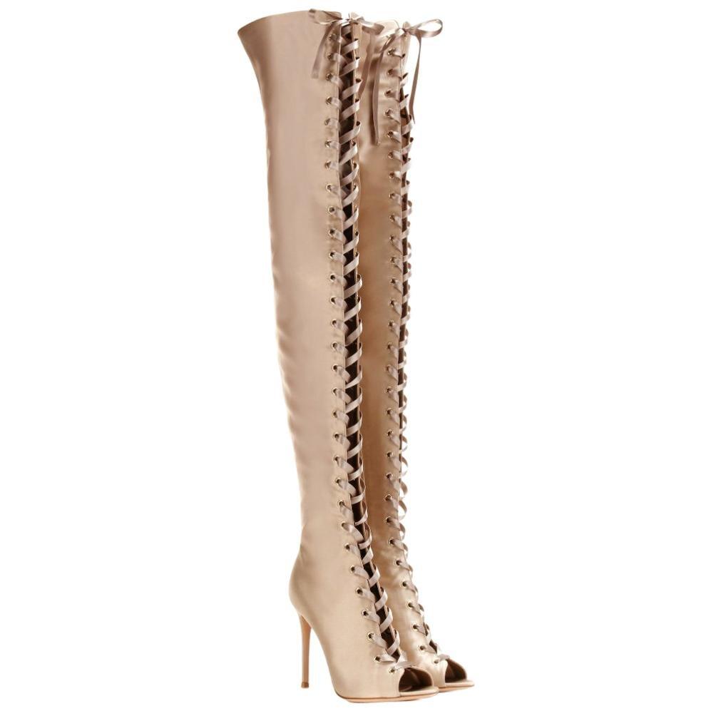 graue Overknee Stiefel aus Wildleder von Gianvito Rossi