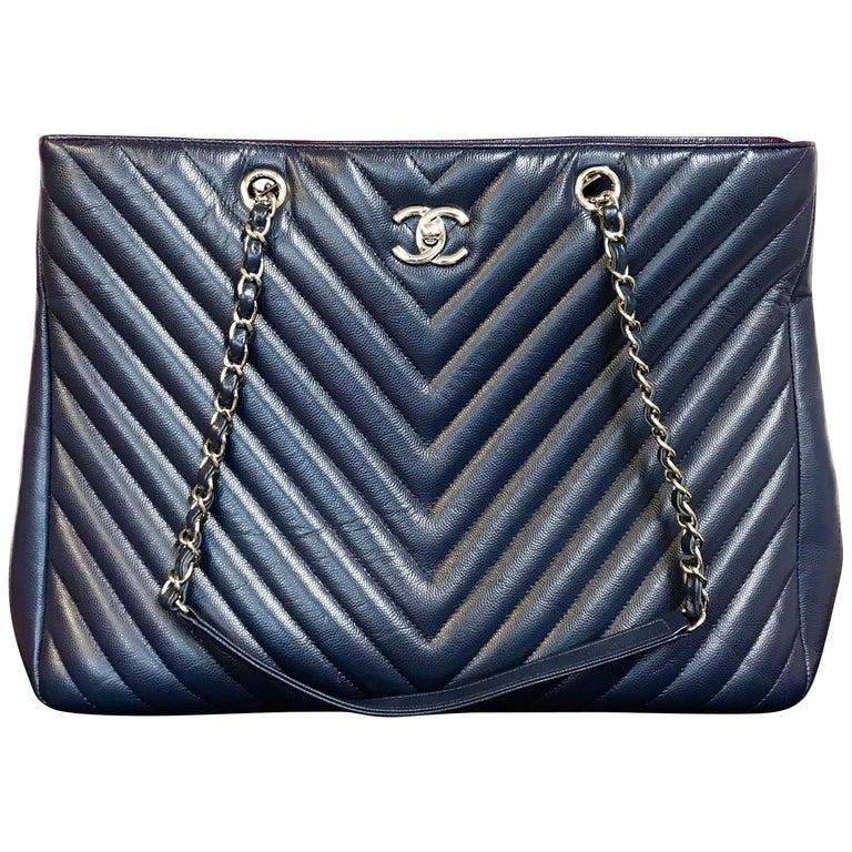 Large CHANEL CC Shopping Bag/Shopper chain chevron lambskin navy blue 2016 For Sale