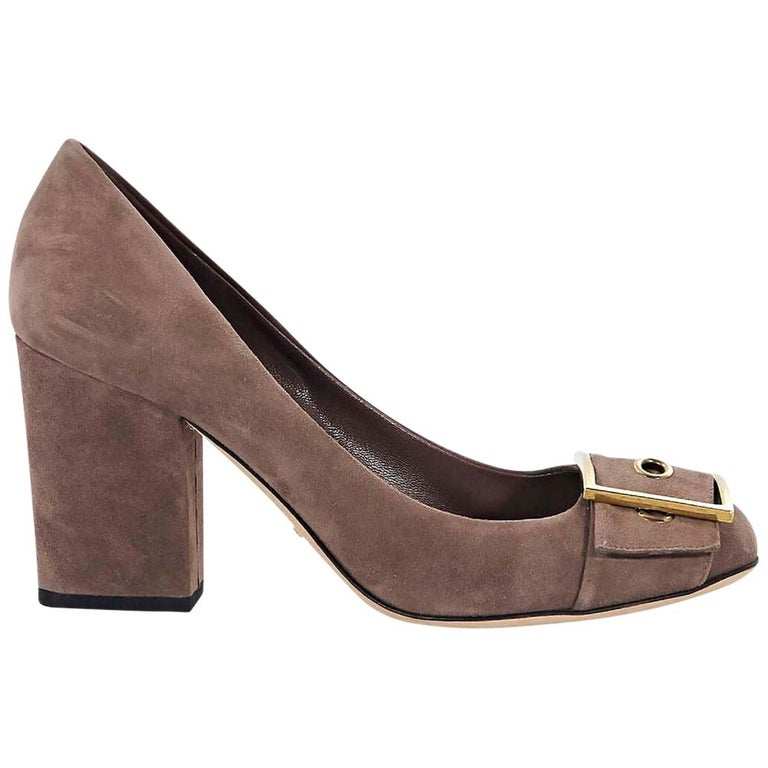 e67368dcc358 Taupe Gucci Suede Block Heels For Sale at 1stdibs