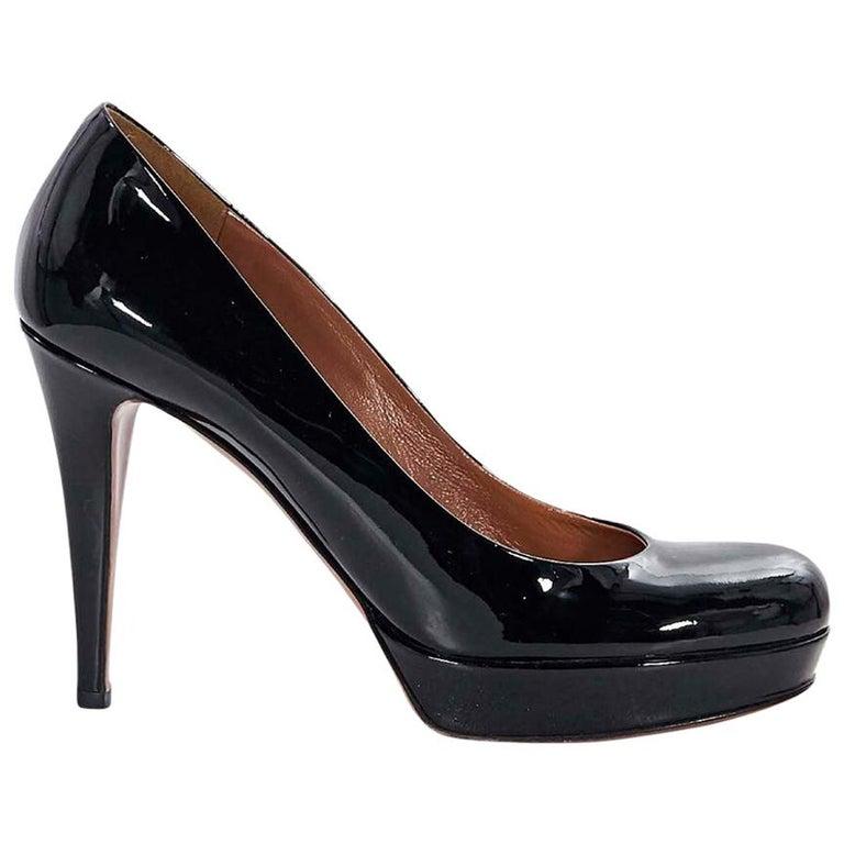 620981b583 Black Gucci Patent Leather Platform Pumps For Sale at 1stdibs