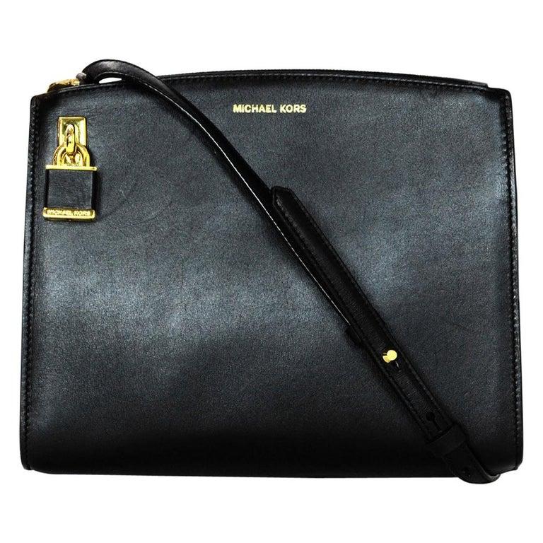 a5d2b3c4a6019 Michael Kors Black Leather Convertible Crossbody Bag W  Lock For Sale