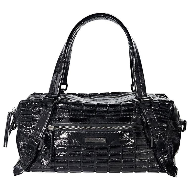 Black Burberry Patent Leather Shoulder Bag For Sale at 1stdibs 2e3f0e40f3cbf