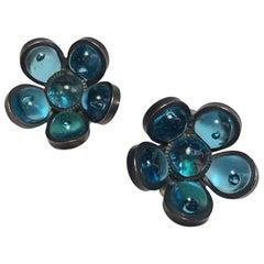 MARGUERITE DE VALOIS Clip-on Earrings in Light Blue Molten Glass