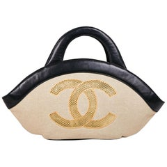 CHANEL Tote Bag in Beige Canvas and Black Leather