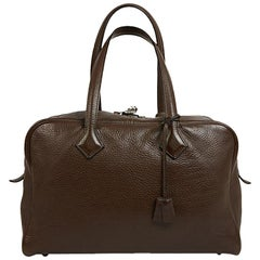 HERMES Victoria Tote Bag in Chocolate Clémence Taurillon Leather