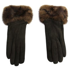 Louis Vuitton Brown In Mink Gloves