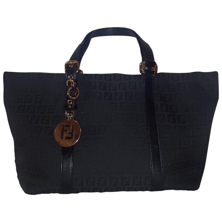 a624814a64 Fendi Black Vintage Zucca Monogram Canvas Tote Bag For Sale at 1stdibs