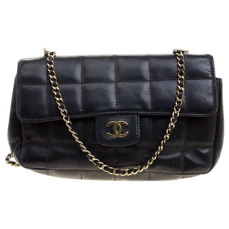 80eb945a1fa6 Chanel Black Chocolate Bar Quilted Leather East West Flap Shoulder Bag For  Sale