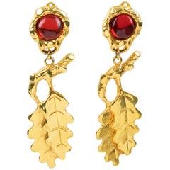 Ines de la Fressange Paris Dangling Clip Earrings Oak Leaf Amber Resin Cabochon