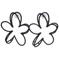 Oscar de la Renta Botanical Scribble Flower Earrings in Black Enamel