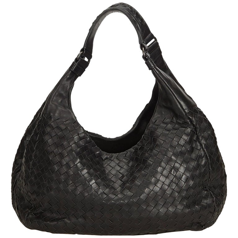 12703f231c72 Bottega Veneta Black Intrecciato Campana Hobo Bag For Sale at 1stdibs