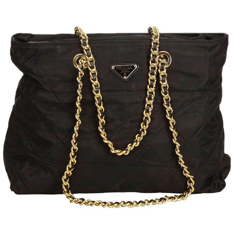 03c5cc50f40b Prada Black Quilted Nylon Chain Tote Bag For Sale at 1stdibs