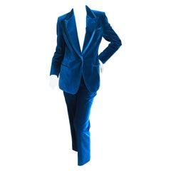 Gucci Tom Ford Fall 1996 Blue Velvet Peak Lapel Tuxedo  Size 42  Pristine