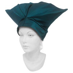 1950s Emerald Green High Fashion Satin Turban