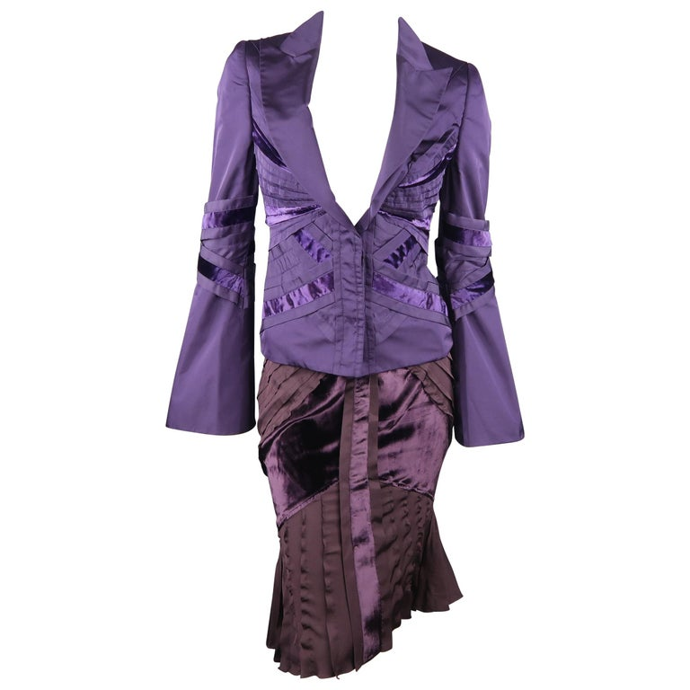 014509ff7408 GUCCI by TOM FORD 4 Purple Silk Velvet Fall 2004 Final Collection Skirt  Suit For Sale