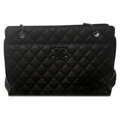 Chanel Diamond Quilt Leather W/ Ruthenium Chain Link & Leather Shoulder Pad Tote