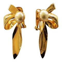 Christian Dior 1950s gilt bow and pearl earrings
