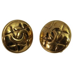 90's Chanel Vintage Double C Earrings in Gold-Plated Metal
