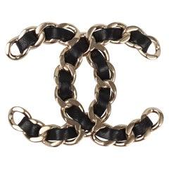 Chanel CC Logo Brooch Matte Silver - black