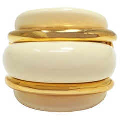 KJL Kenneth Jay Lane Cream Resin and Gold Cocktail Ring