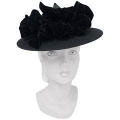 1930s Black Felt Hat Sculptured Hat with Large Velvet Bows