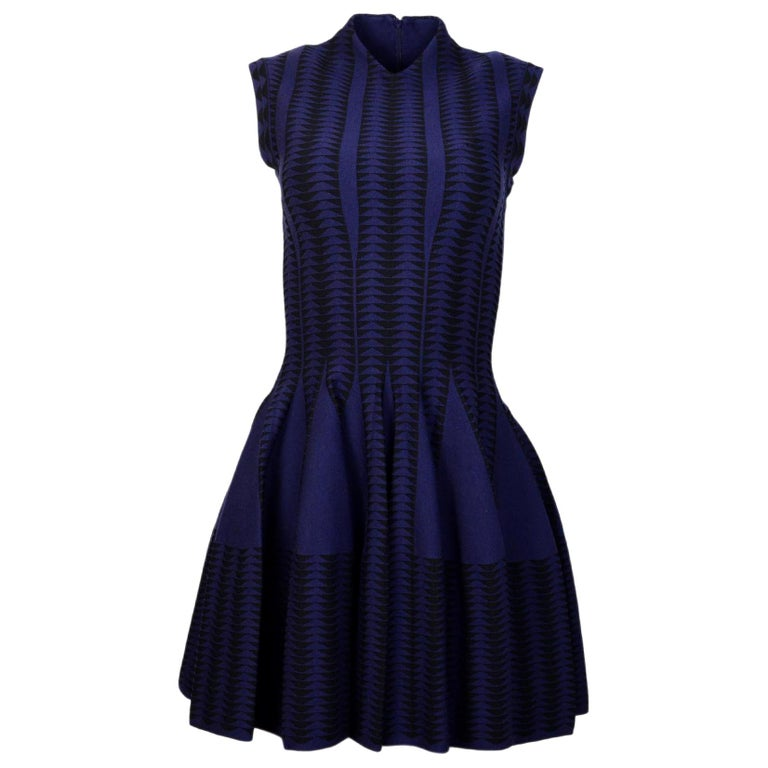 4e999013736 Alaia Navy Black V-Neck Fit and Flare Cap Sleeve Dress Sz 38 For ...