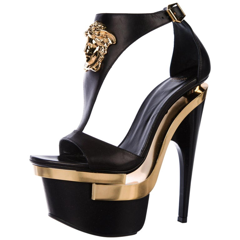 New Versace Black Leather Triple Platform Gold Medusa Shoes Sandals It.35 - US 5 For Sale