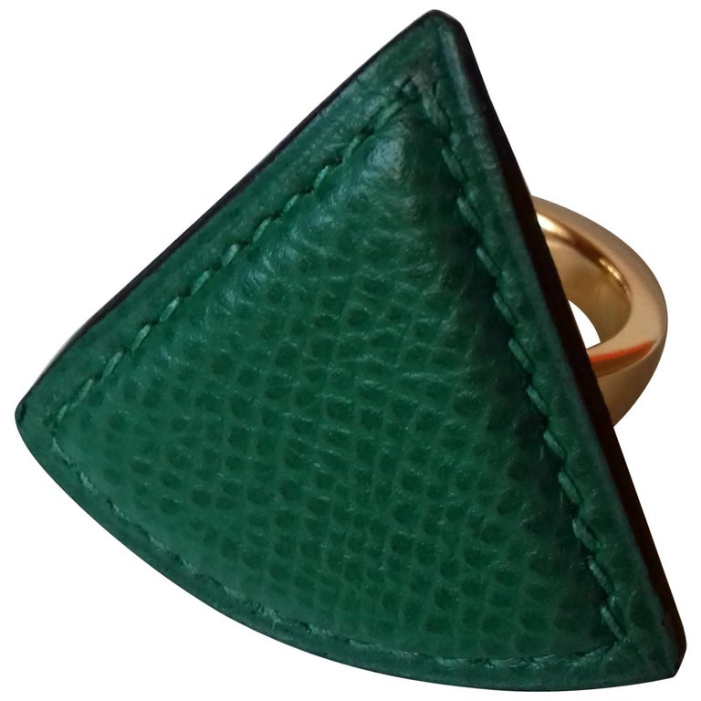 Hermès Ring Scarf of Jewel Ring in Green Courchevel Leather Golden Hdw RARE For Sale