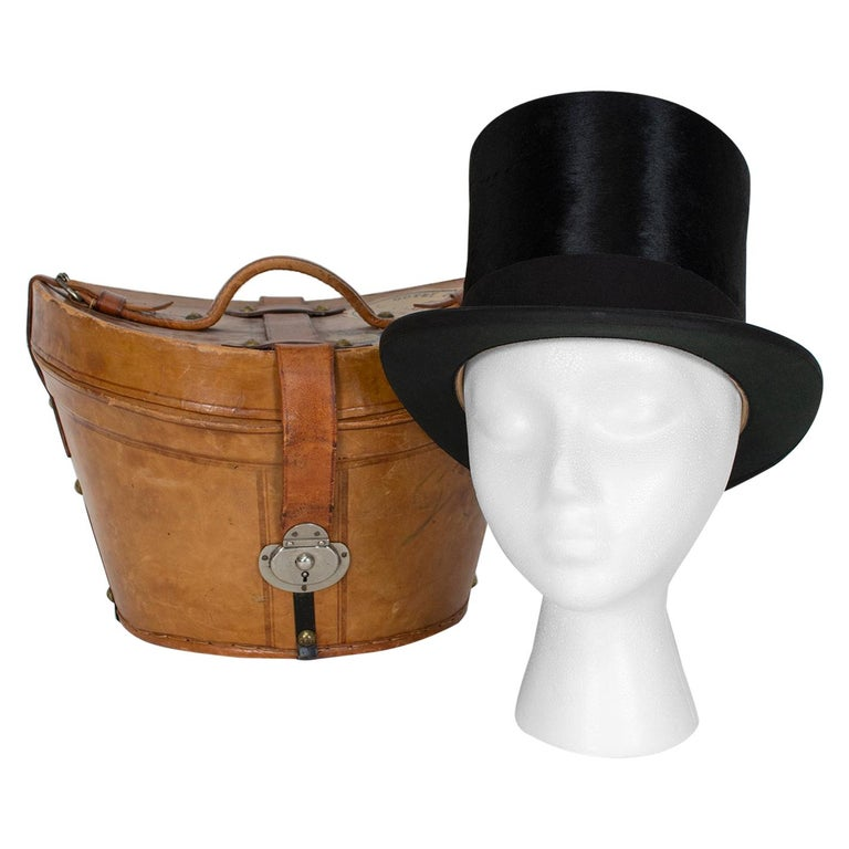 Harrod's Beaver Fur Top Hat and Travel Case with Transport Stickers, 1910 For Sale