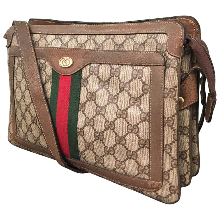 6bcecebcb Vintage 1980s Gucci Monogram Crossbody Handbag For Sale at 1stdibs