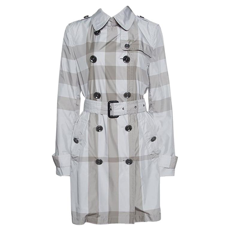 a02acebe6f60 Burberry Grey Checked Short Belted Double Breasted Trench Coat M For Sale