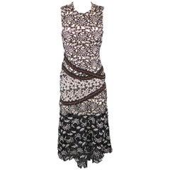 SELF-PORTRAIT Size 0 Black & White Floral Lace Flair Sheath Dress