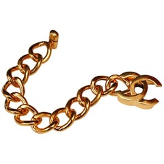 CHANEL 1996P Gilted metal chains bracelet with CC turnlock