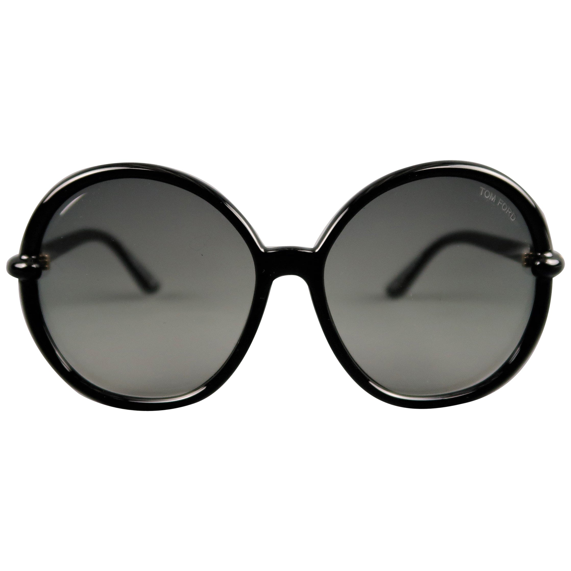45b53f227d533 TOM FORD Black Round Ombre Lens CAITHLYN Sunglasses at 1stdibs