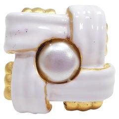 KJL Kenneth Jay Lane White Enamel and Faux Pearl Goldtone Cocktail Ring