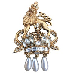 1984 R. Serbin Crystal Rampant Lion Royal Crest Brooch Pin with Pearl Drops