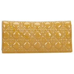 Dior Cannage gelbe Lackleder Kette Unterarmtasche