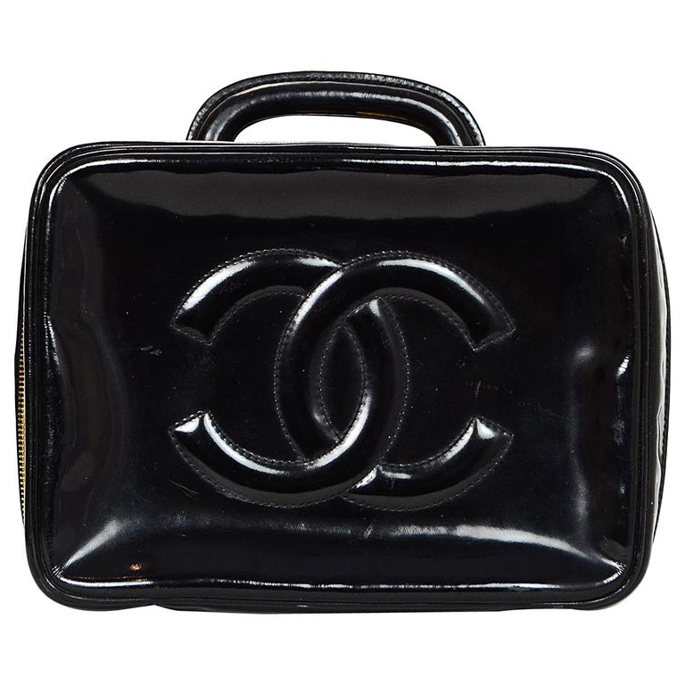 8b31162a4171 Chanel Vintage 90s Black Patent Leather Timeless CC Vanity Case Bag For Sale